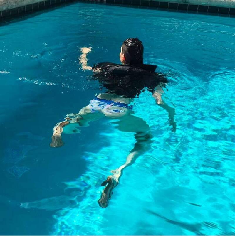 Y no conforme con tirarla al agua, Hanna también compartió esta foto.
