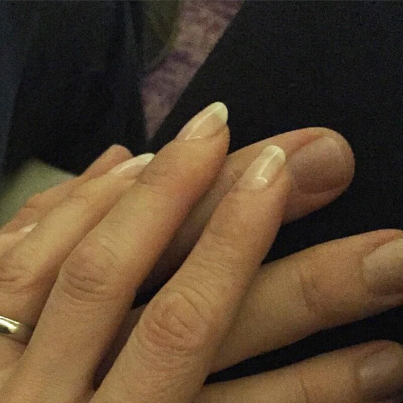 Desde que se comprometió para casarse con Manuel Velasco no ha parado de demostrar a su novio cuánto lo quiere.