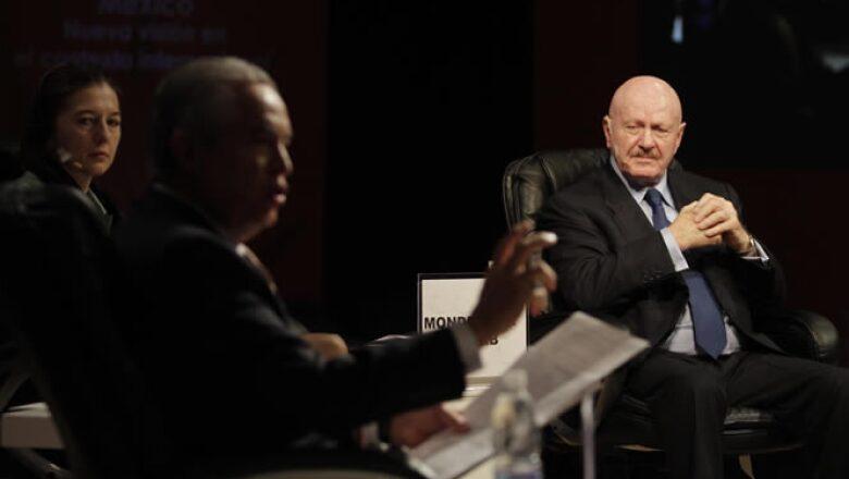 En los foros también se contó con la participación del comisionado Nacional de Seguridad, Manuel Mondragón.