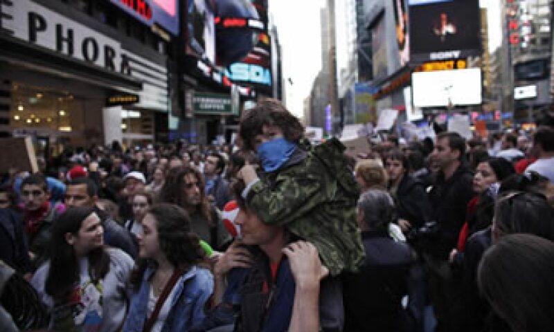 Los manifestantes abogan por mantenerse en las calles en repudio del lucro corporativo y el sistema financiero global. (Foto: Reuters)