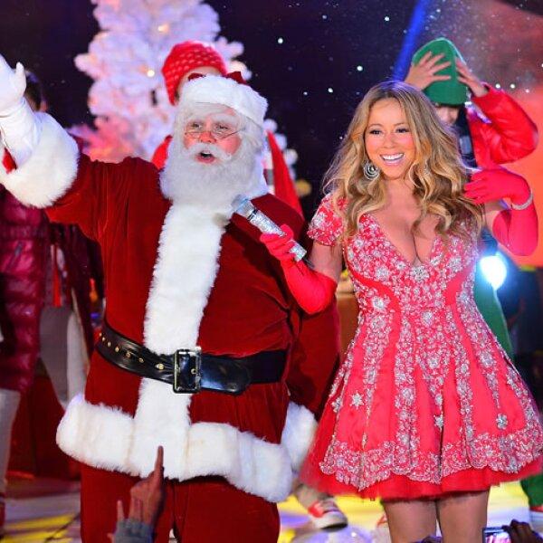 Mariah Carey- `Fue una fiesta increíble, todos los niños tuvieron leche y galletas, Santa les dio las galletas y Mariah la leche obviamente.