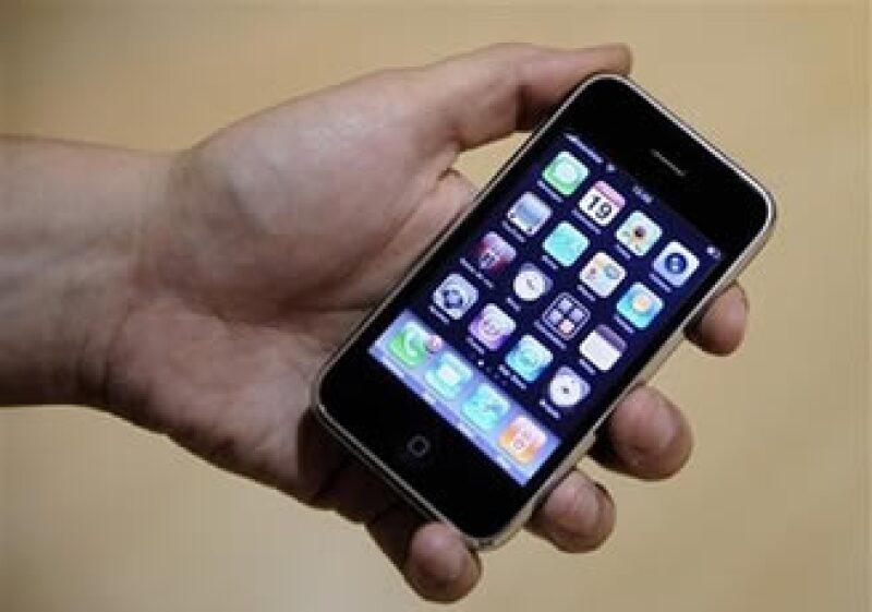 En 2007, el día del anunció de las ventas del iPhone, las acciones de Apple en el Nasdaq subieron 3.8%. (Foto: AP)