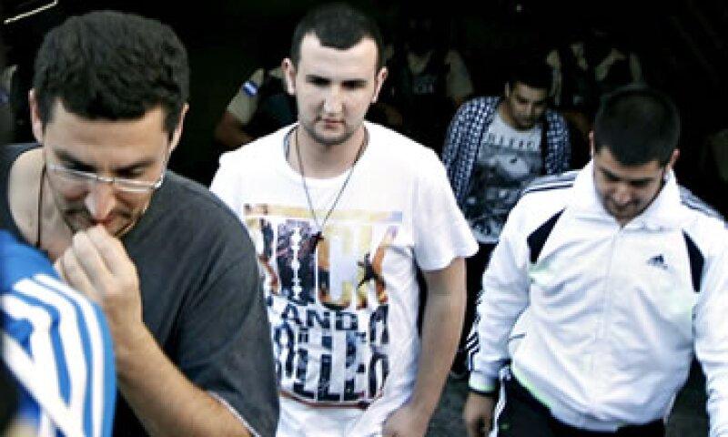 Las personas sirias trataban de llegar a Estados Unidos utilizando pasaportes griegos falsos (Foto: Reuters )