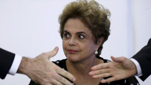 La Cámara de Diputados de Brasil votará este domingo si continúa el 'impeachment' contra la mandataria, por presunto desvío de fondos públicos.