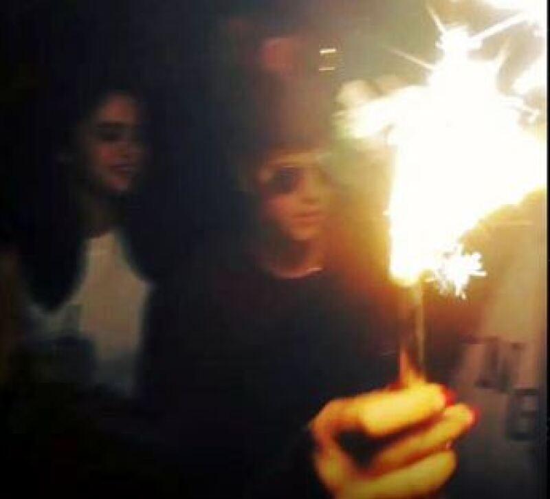 Luego de especualaciones en torno a una posible reconciliación, este lunes los cantantes fueron vistos celebrando el cumpleaños de un amigo de Bieber.