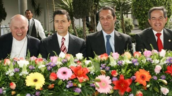 Empleados del Hospital Ángeles confirmaron a Quién.com que el obispo de Ecatepec se encuentra en la sección de cuidados coronarios.