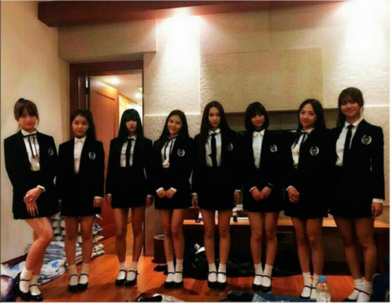 """Las integrantes de la grupo de pop surcoreano de K-Pop """"Oh My Girl"""" fueron detenidas en el aeropuerto de Los Ángeles, California, tras ser confundidas con postitutas, según informaron  agencias."""