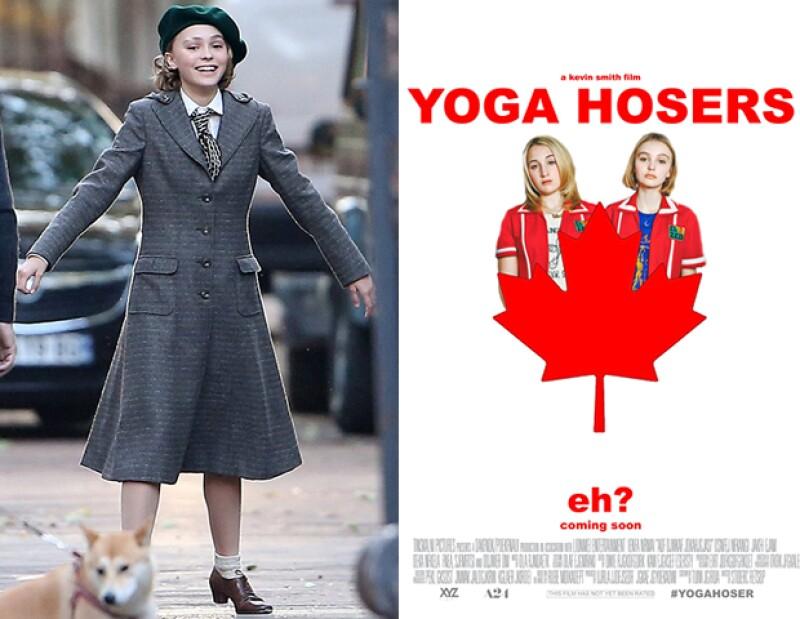 En 2016 ya tiene 3 películas a estrenar. A la derecha, en el set parisino de la película Paradis y a la derecha el poster de la película Yoga Hosers.
