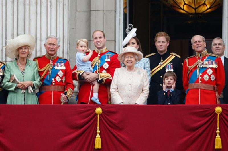 La familia real no solo tiene cinco sucesores al trono, sino 17.