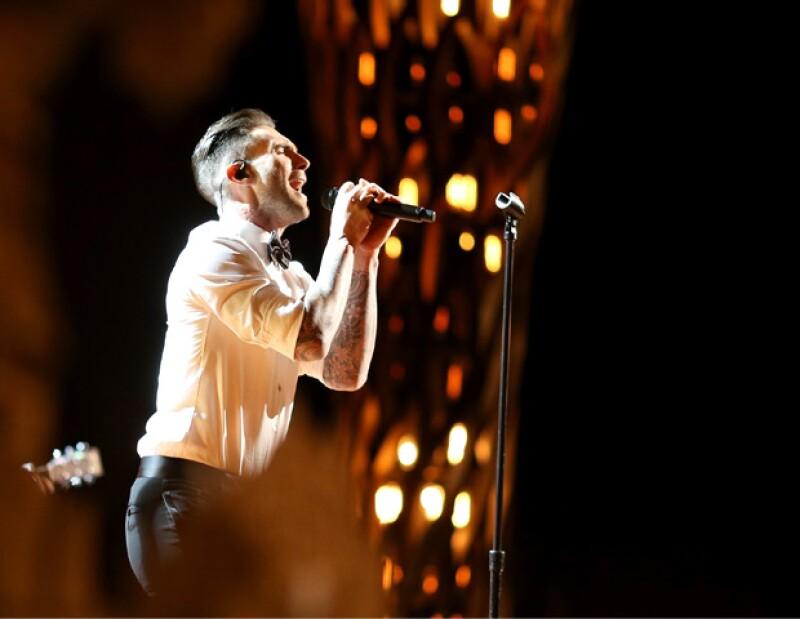 El más guapo sobre el escenario