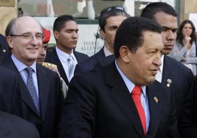 De visita en Madrid, Chávez sostuvo una reunión con el presidente de Repsol. (Foto: AP)