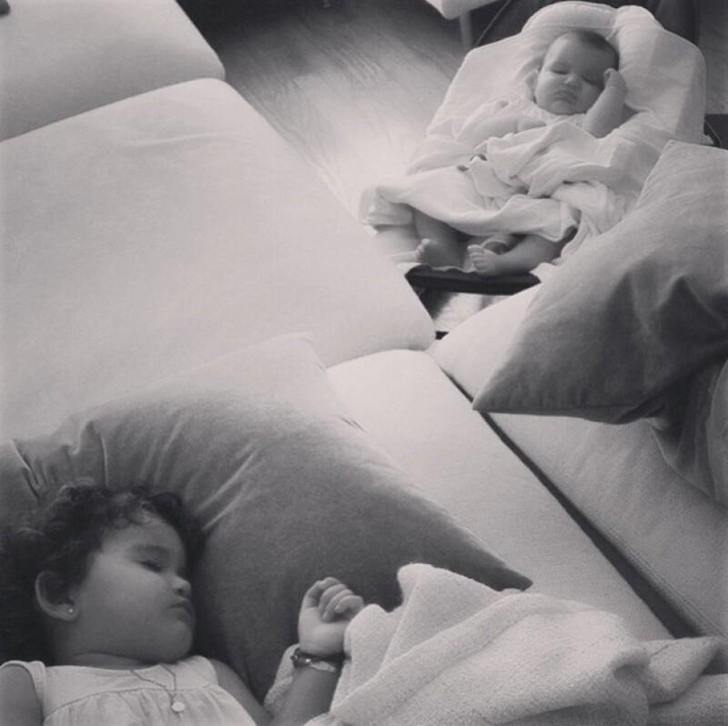 La madre de las pequeñas hermanas Erin y Regina Díaz Ponce compartió este tierno momento de ellas juntas.