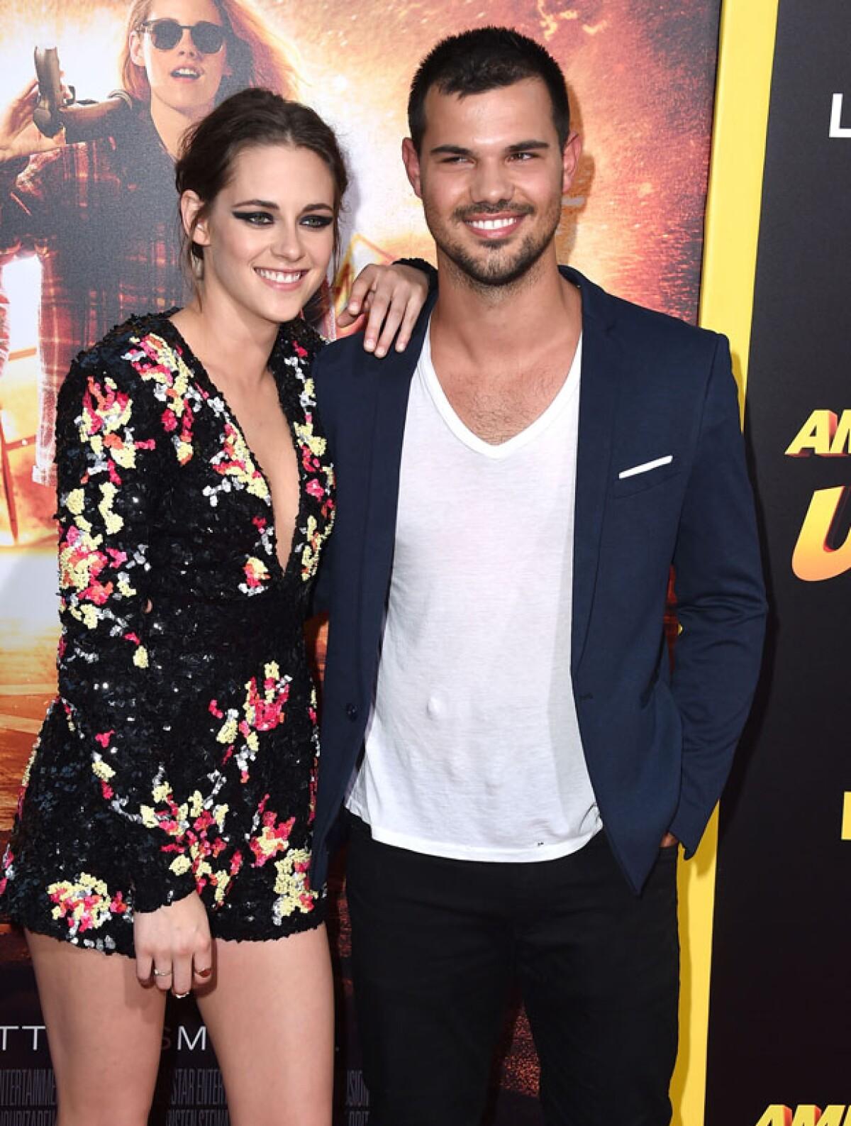 Kristen Stewart y Taylor Lautner, juntos en una premiere