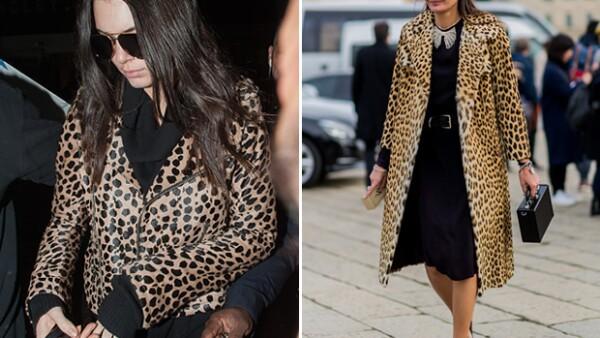 La modelo se ha coronado como una de las reinas del street style. Tanto así que lleva piezas similares a las mujeres que deciden qué está de moda y qué no.