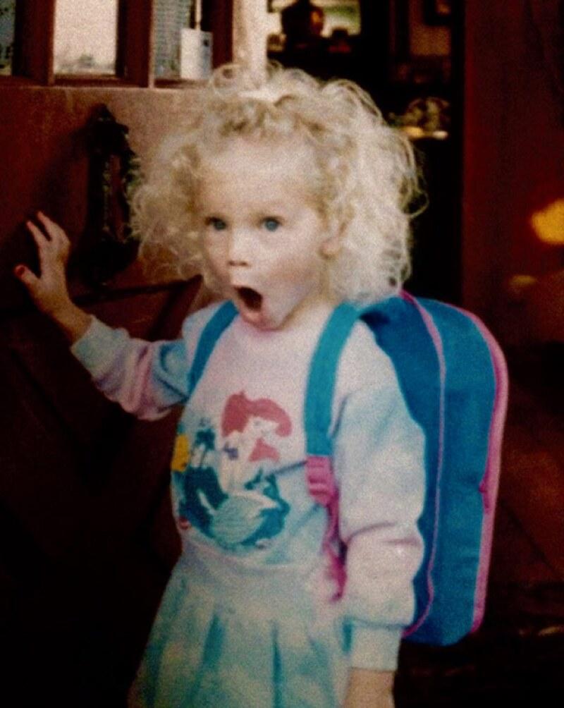 La cantante conmemoró su cumpleaños subiendo esta tierna imagen de cuando era pequeña.