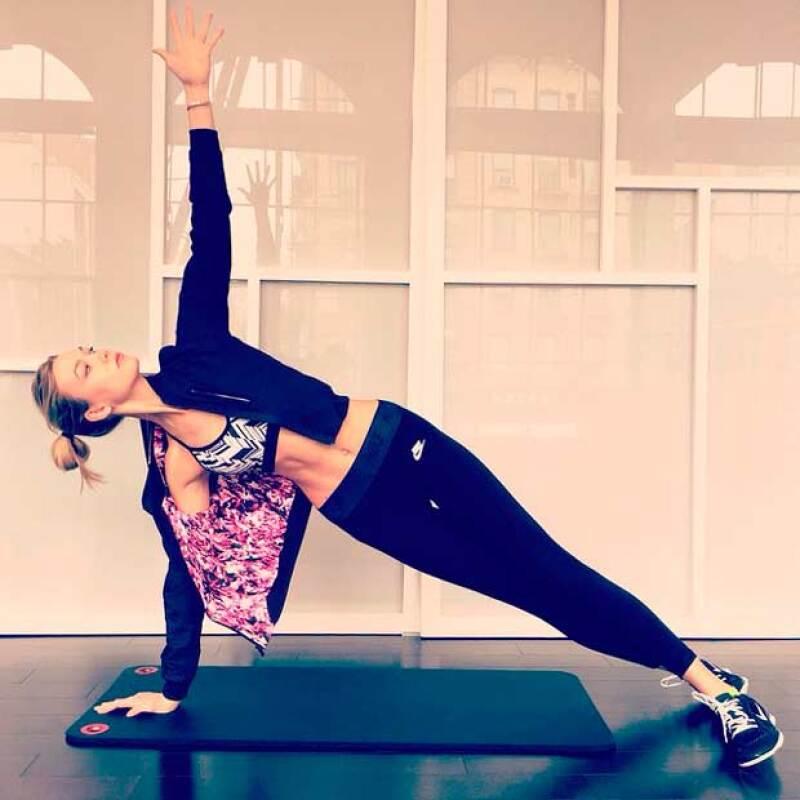 Karlie Kloss también se unió al reto Vogue en el que las modelos se mantienen en forma para iniciar este 2015.