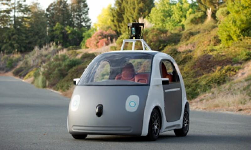Google dijo el año pasado que su primer prototipo de vehículo autónomo está listo para probarse en las calles. (Foto: AFP )