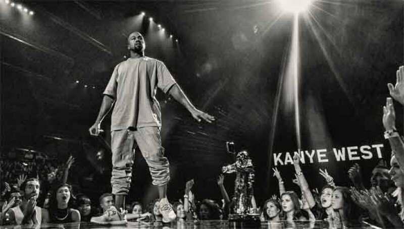 Oops! Al parecer Kanye West está metido en un lío con sus seguidores, pues se sienten engañados por el cantante.