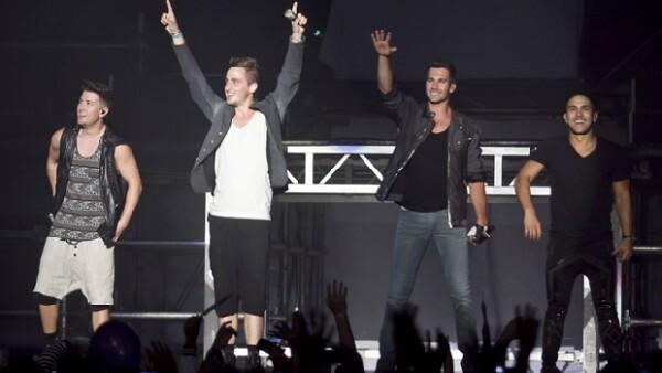 El actor se reunió con uno de los integrantes del grupo durante su visita a México previo a su presentaron en el Palacio de los Deportes ayer por la noche.