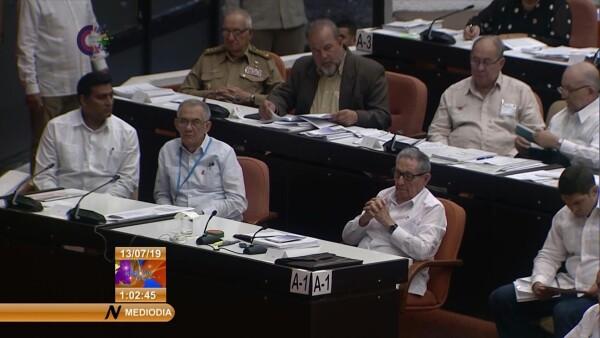 Cuba aprueba ley para volver a tener presidente y primer ministro