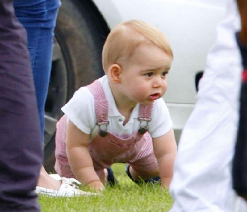 Aunque no siempre acompaña a sus padres a sus compromisos, cuando lo hace, el príncipe siempre acapara las miradas.