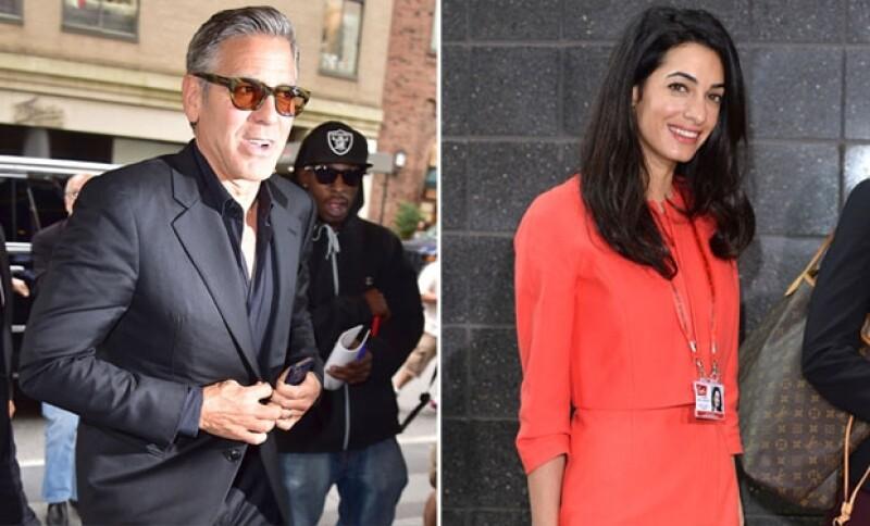 Mientras que George fue visto hoy por las calles de Nueva York esta tarde, su esposa se prepara para trabajar en un importante caso de orden internacional.