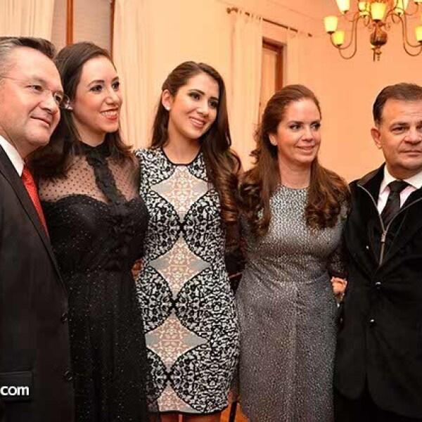 José Daniel Pérez,Mariana Fuentes,Paty Laguardia,Claudia Ramírez de Richter y Ulrich Richter.