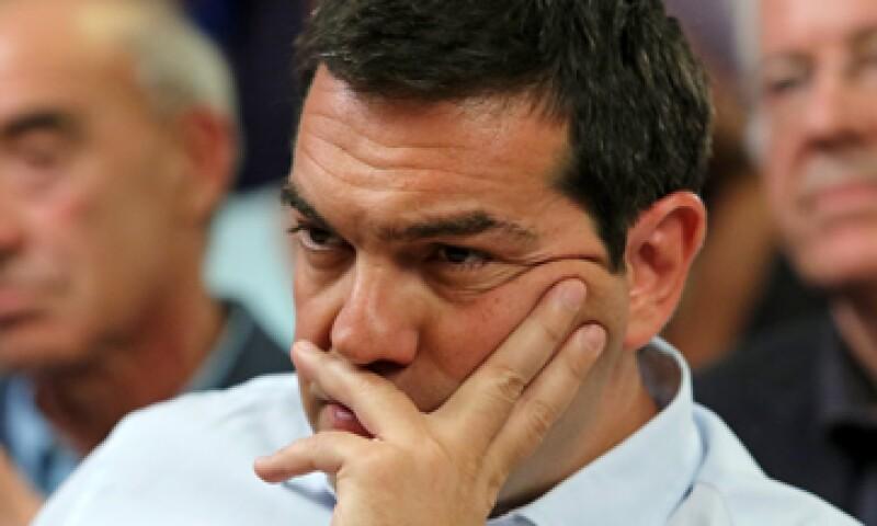 El Gobierno griego, dirigido por Alexis Tsipras, tiene el tiempo limitado para obtener recursos y hacer frente a un nuevo pago al BCE. (Foto: Reuters)