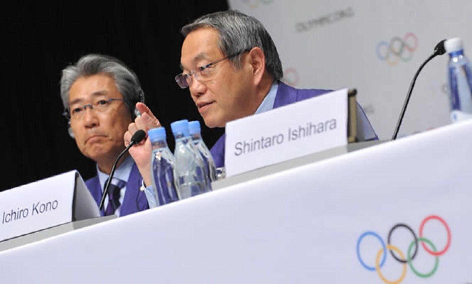 Tokio fue la primera eliminada de la selección de sede olímpica. Aquí, el presidente de la propuesta Ichiro Kono, y Shintaro Ishihara, Gobernador de Tokio.