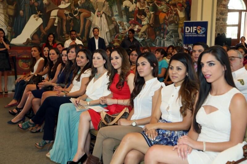 La actriz, junto con otra guapas y jóvenes poblanas formarán parte del voluntariado juvenil del estado.