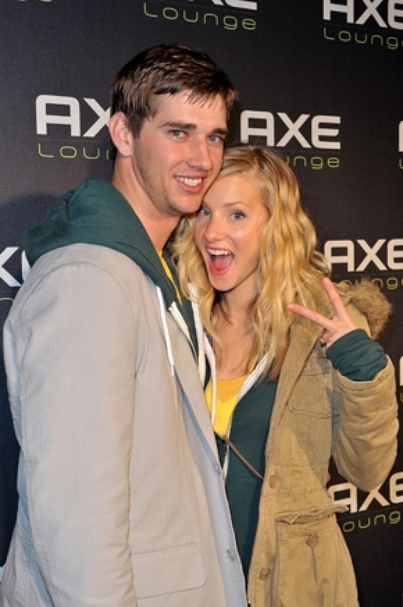 Según publicó el sitio Us Magazine, la actriz de 26 años, espera su primer hijo, producto de su relación con Taylor Hubbell, su amor desde preparatoria.