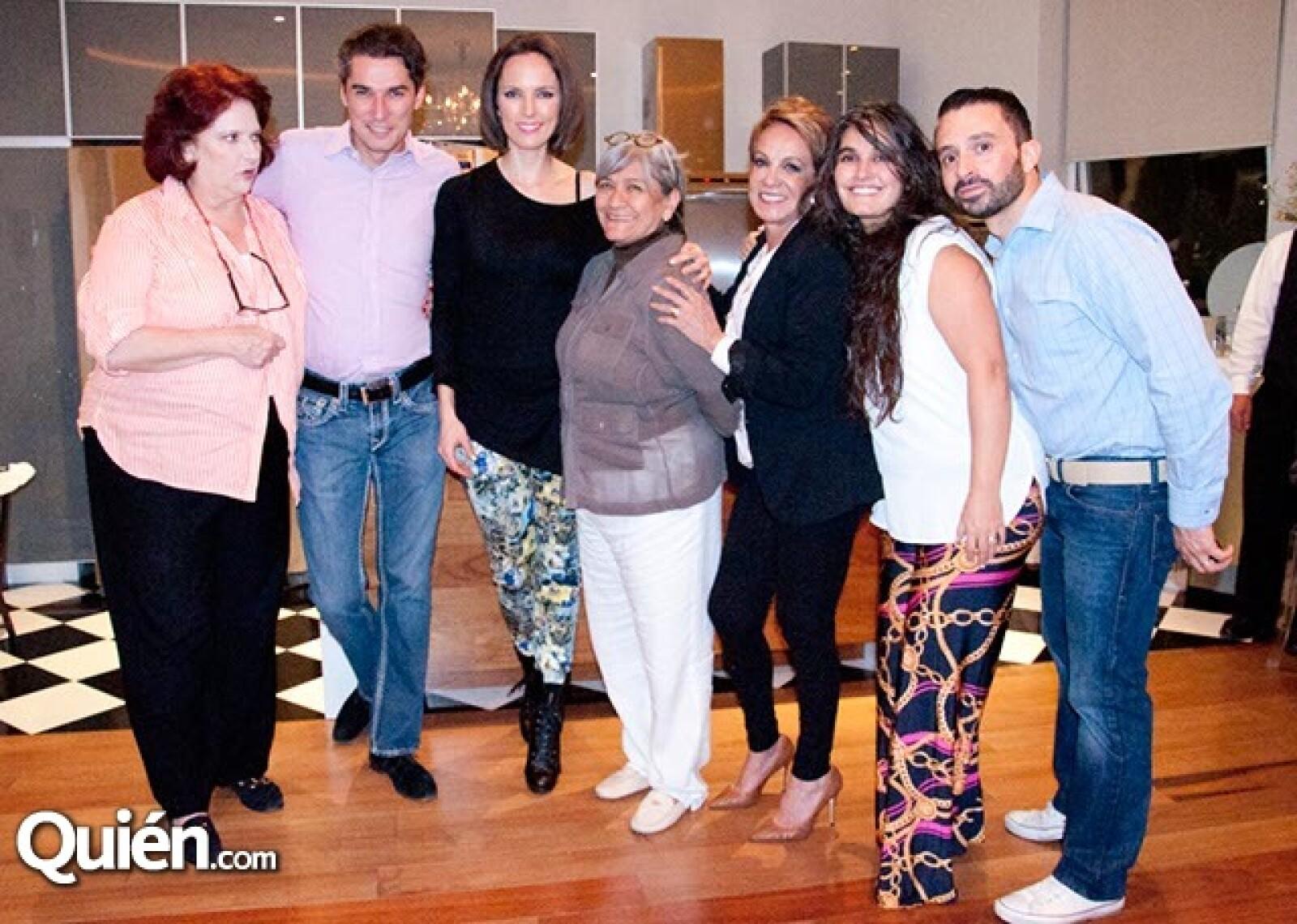 Bernadette Larrañaga, Pedro Vázquez, Natalia Fernández, Charo García, Chiqui Quintana, Charo Islas y Santiago Parra