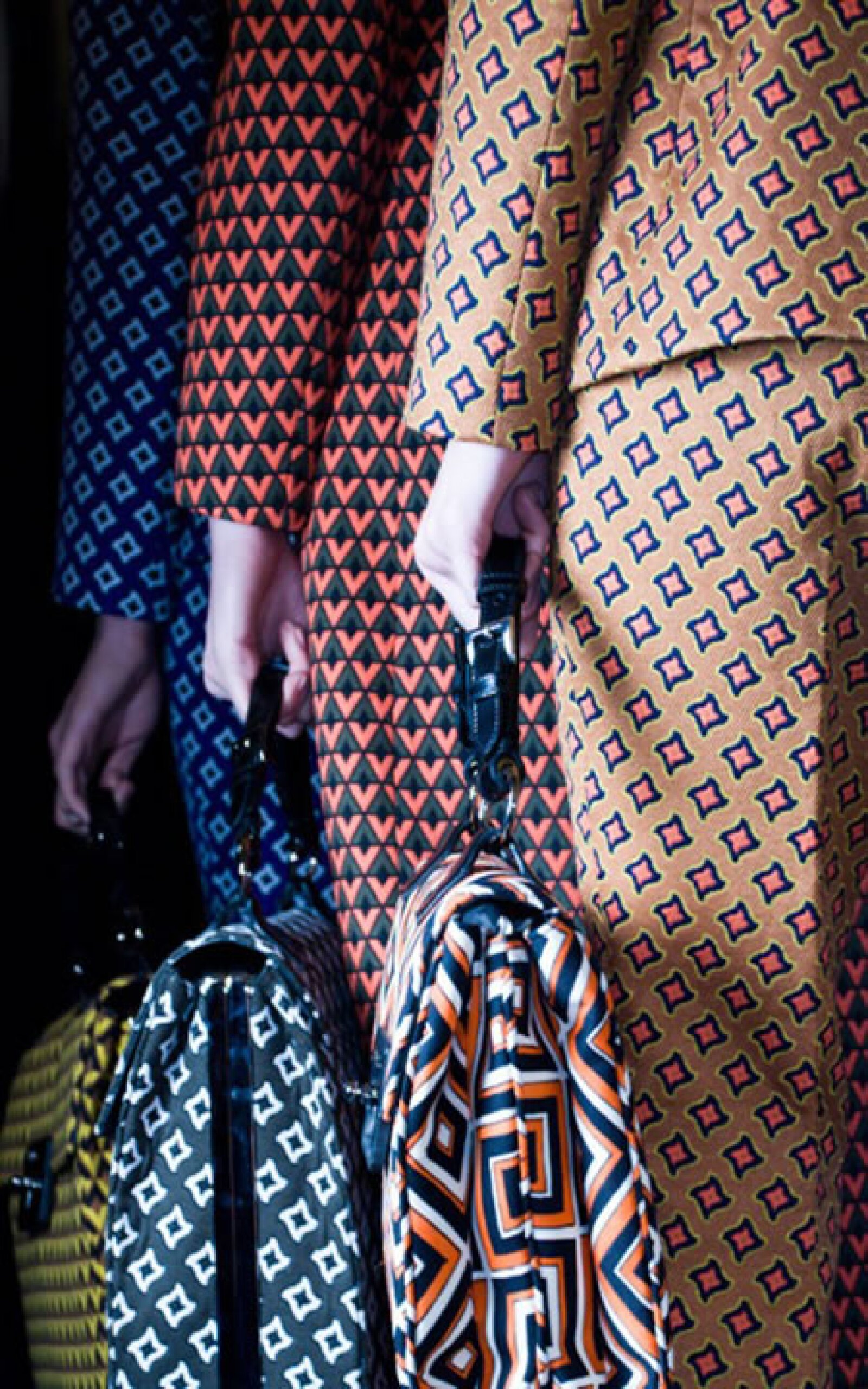 No pueden faltar estampados setenteros de Prada como éstos de la colección otoño-invierno 2012.