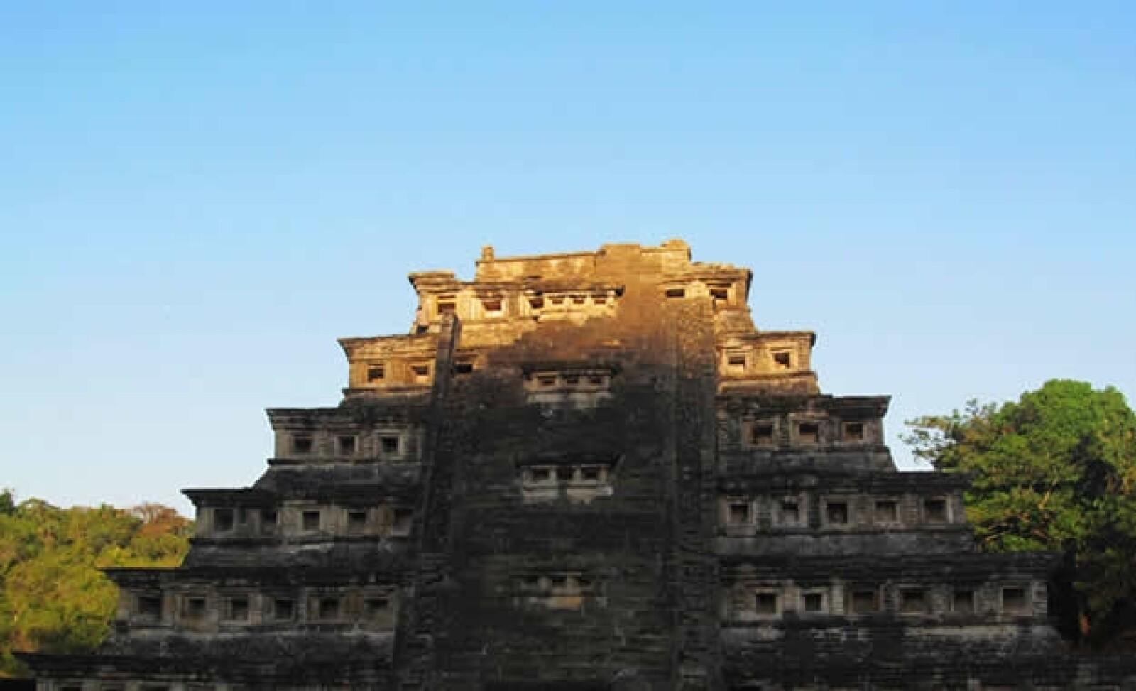 piramide de los nichos en el tajin