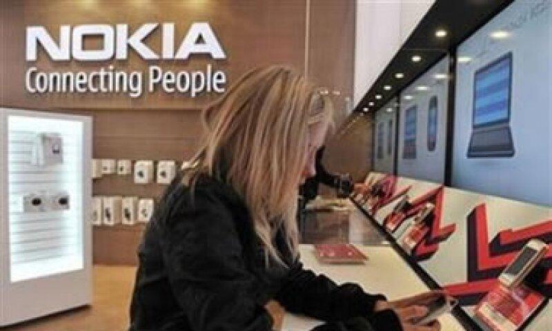 Analistas señalan que Nokia se verá beneficiada tras el acuerdo con Apple. (Foto: Reuters)