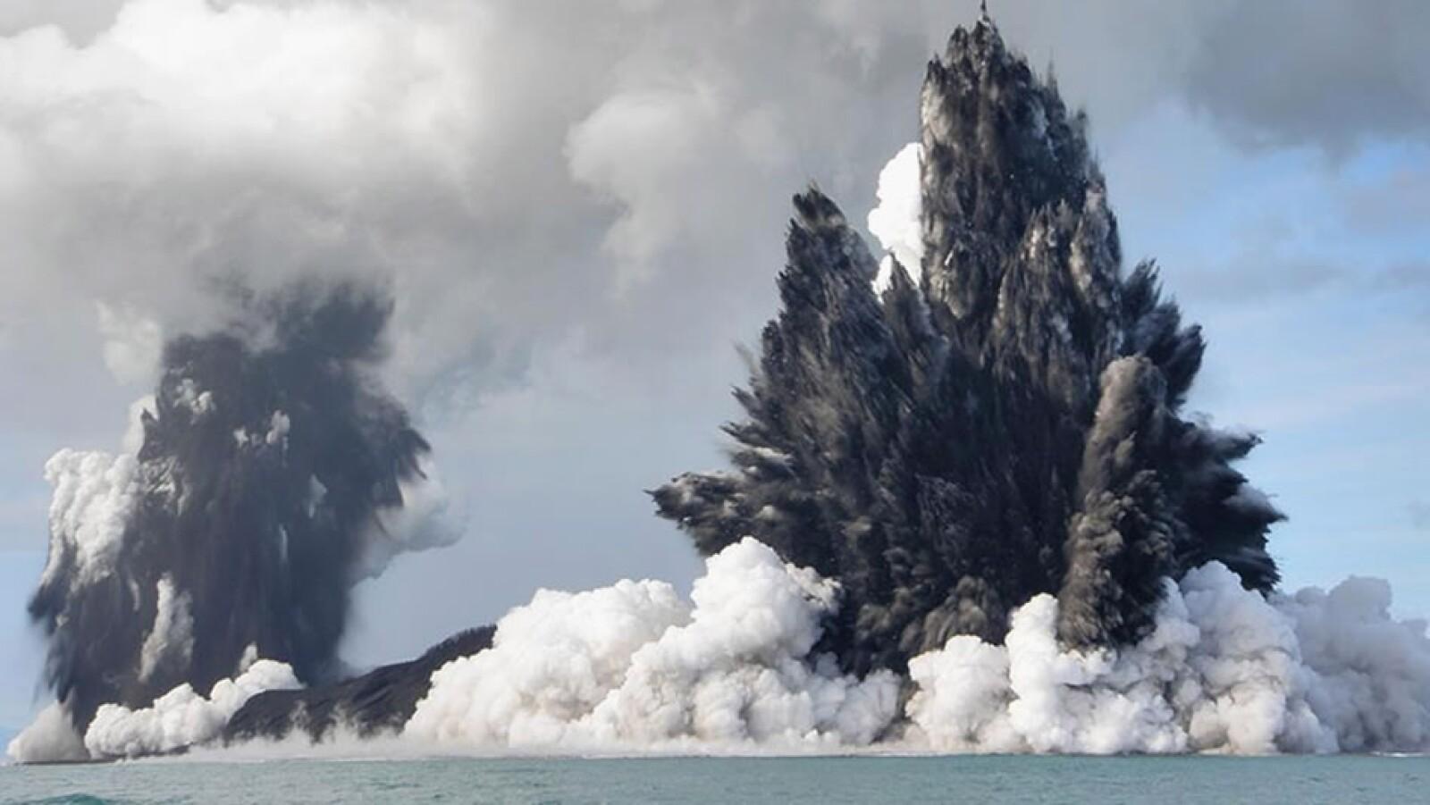 volcan oceano pacifico