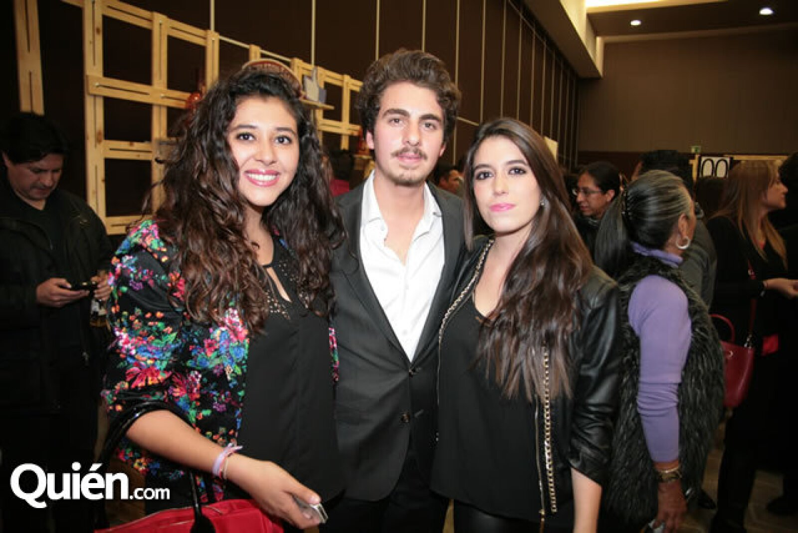 Abril Delgado,Luis García Roldán,Fernanda Vázquez