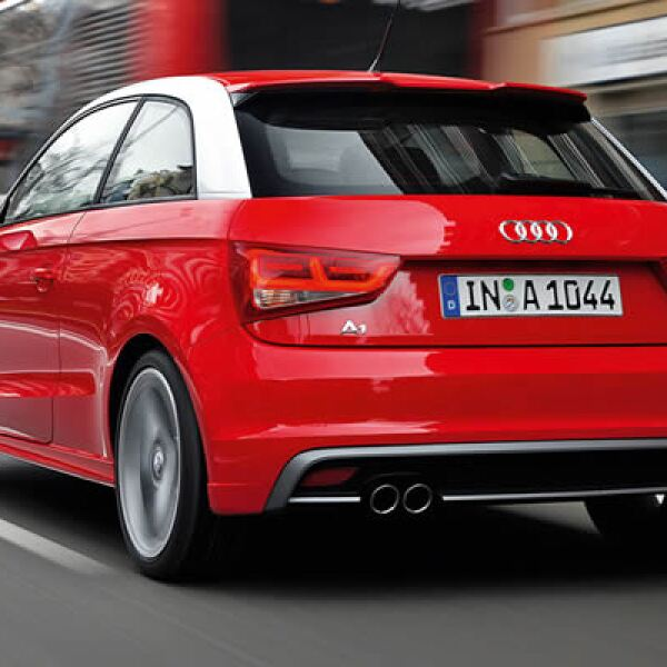 La transmisión es manual de 6 velocidades o S-tronic de 7 cambios.