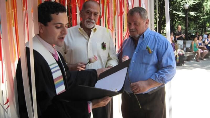 Una pareja de homosexuales se casa en Nueva York en 2011