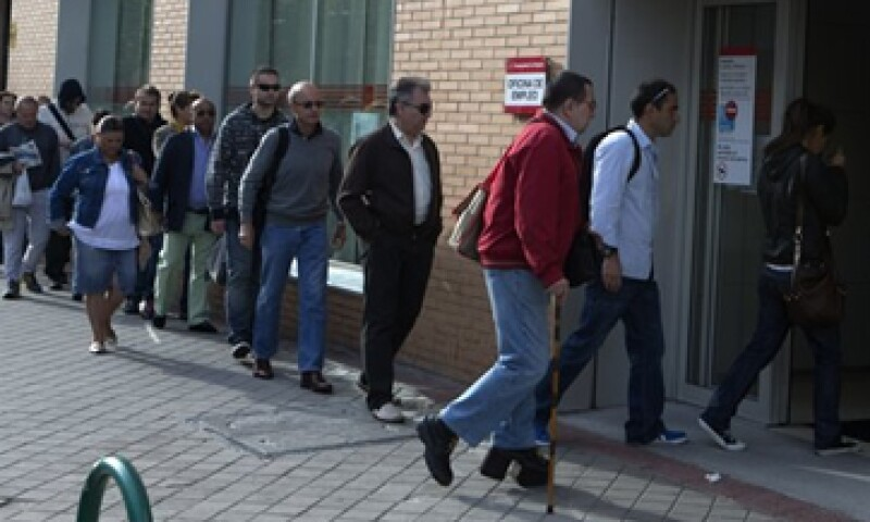 Los jóvenes tienes tres veces más posibilidades de estar desempleados que los adultos. (Foto: Reuters)