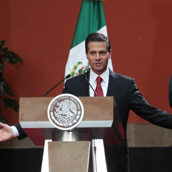 """El mandatario  dijo que la localización, seguimiento y recaptura del narcotraficante son """"resultado del trabajo conjunto de las corporaciones de inteligencia, seguridad y procuración de justicia"""" de México."""