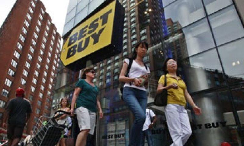 Críticos afirman que las tiendqas de Best Buy funcionan como salas de exposición para firmas como Amazon.  (Foto: Reuters)