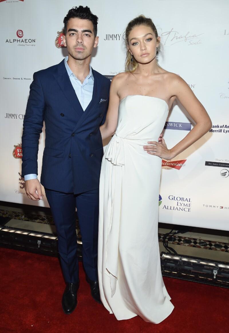 A pesar de que iban de maravilla, la pareja ha decidido rompero para dedicarse a sus carreras como cantante y supermodelo.