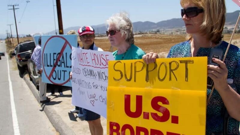 protestas en pueblos de california