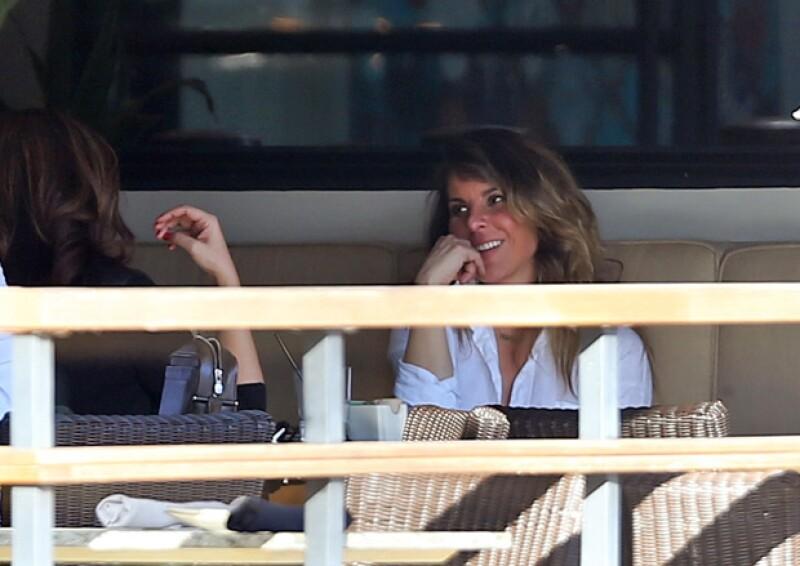 Esta semana la actriz fue fotografiada mientras se reunía con una amiga en un restaurante en Studio City, parece que el amparo que tiene la ha relajado tras el escándalo de El Chapo.