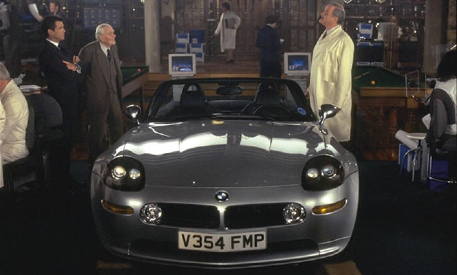Una de las pocas ocasiones que Bond ha preferido un coche alemán sobre un inglés ha sido con este modelo, utilizado para la película 'The World Is Not Enough'.