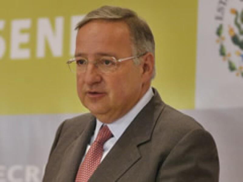Jesús Reyes Heroles, director de Pemex, dio el anuncio sobre la nueva refinería en el país. (Foto: Archivo)
