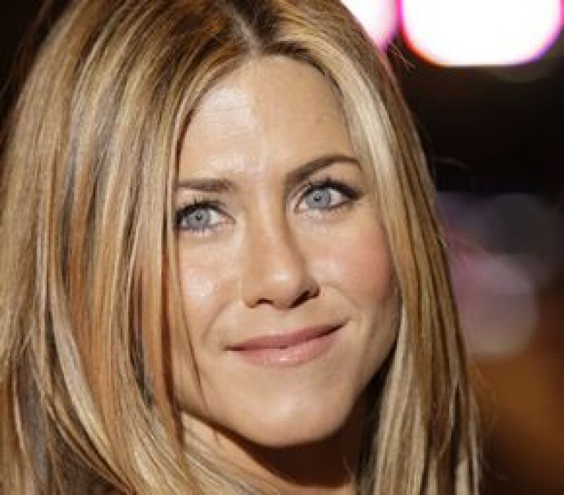 La actriz de 'Friends' aceptó que una vez se inyectó para hacer desaparecer algunas líneas de expresión, sin embargo, no quedó satisfecha ya que sentía un peso en su cabeza.