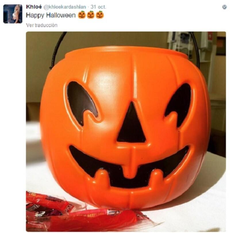 Con esta fotografía, Khloé les deseó un feliz Halloween a sus seguidores.
