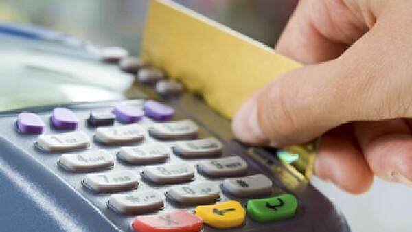 Banxico aseguró que el saldo del crédito otorgado a través de tarjetas creció 1.7% interanual. (Foto: Photos to Go)